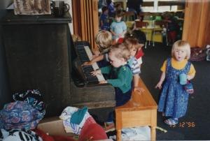 Children at piano