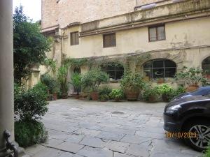 Courtyard of Palazzo Niccolini al Duomo