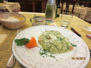 Risotto with asparagus and shimps