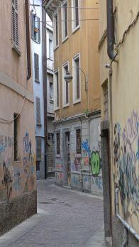 Como side street
