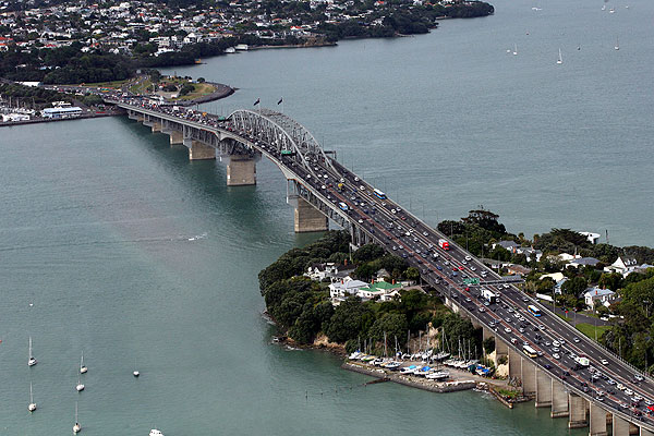 auckland harbour bridge.jpg