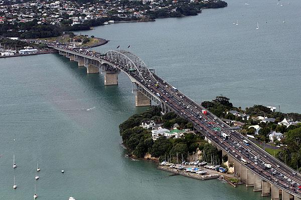 auckland harbour bridge.jpg